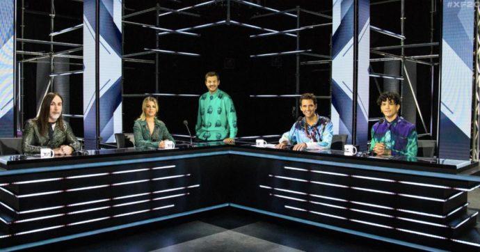 """X Factor 2020, polemica di fuoco per il pubblico in studio: """"E allora cinema e teatri chiusi?"""". Ma ecco com'è possibile"""