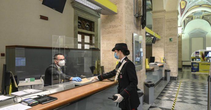 Nuoro, una carabiniera è rimasta ferita in una rapina alle poste: è caccia all'uomo