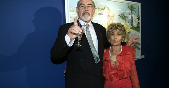 """Sean Connery morto, parla la moglie: """"Soffriva di demenza. È morto in pace, non poteva andare avanti per sempre"""""""