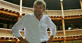 """Gigi Proietti morto, le lacrime per un artista totale: """"L'inchino oggi lo facciamo noi"""". Da Gassmann a Fazio l'omaggio sui social"""