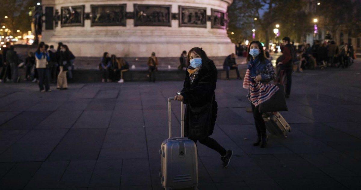 La Francia s'interroga sulla fine del lockdown. Campagna natalizia contro Amazon