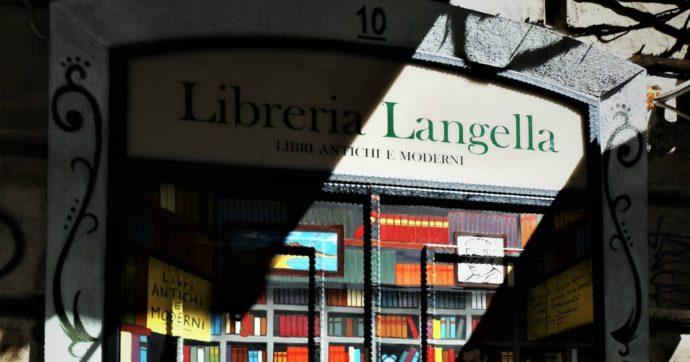 La libreria Langella in via Port'Alba a Napoli è una tana che profuma di caffè e carta ingiallita