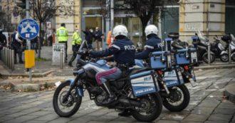 Milano, rapina con ostaggi in centro. I banditi scappano col bottino attraverso le fogne. Caccia all'uomo della polizia nei sotterranei