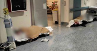 """Barelle da campo e pazienti Covid a terra all'ospedale di Rivoli, in Piemonte. Asl: """"Strutture in sofferenza e malati continuano ad arrivare"""""""