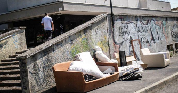 A Milano la maggior parte dei cittadini rispetta il nuovo lockdown. Poi c'è un'altra Milano