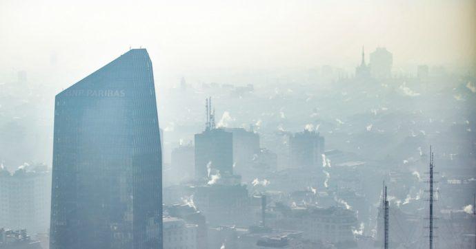 Aria inquinata soprattutto a causa del traffico: allarme a Milano, dove ogni anno muoiono 1500 persone per malattie legate ai veleni
