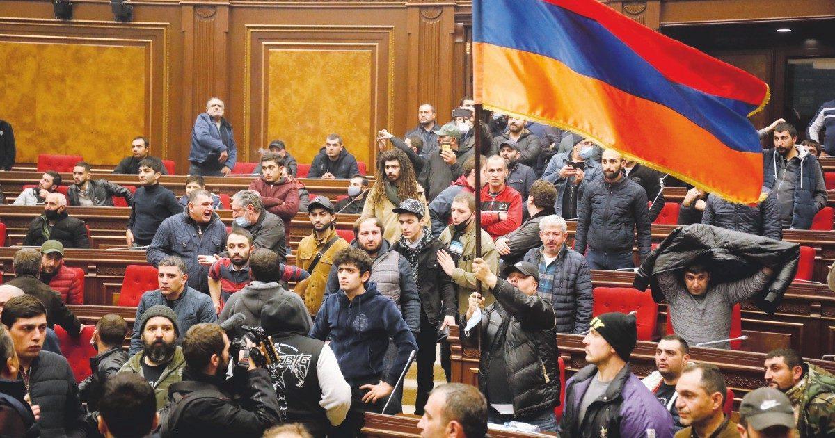 Erdogan umilia gli armeni. E Putin impone loro la resa