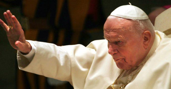 Ampolla con il sangue di Papa Wojtyla: 59enne indagato per furto, ma la reliquia non si trova