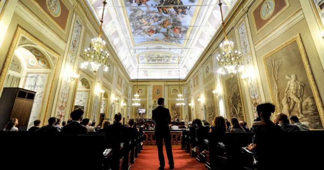 Sicilia, il buco nero delle Partecipate: bilanci fantasma, doppioni, enti con 6 amministratori e nessun lavoratore. E lo stagista promosso responsabile anticorruzione