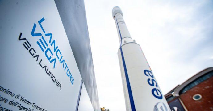 Fallisce il lancio del razzo Vega: l'italiana Avio crolla in borsa. Perché il flop rischia di costare caro alla politica spaziale italiana