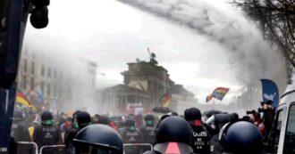 Berlino, oltre 100 persone fermate alla manifestazione contro le misure anti-Covid