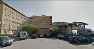 """Sicilia, caos all'ospedale di Barcellona: direttrice trasferita a Lipari. Pd: """"Punita dopo il servizio del Tg1 sui posti Covid fantasma"""""""