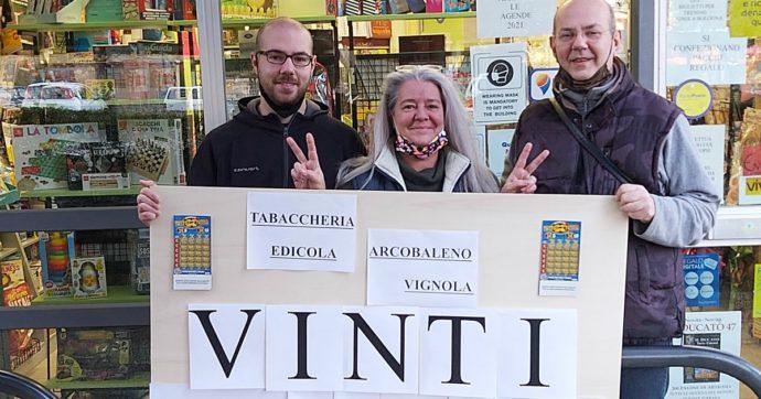 """Modena, vince 2 milioni al gratta e vinci e impallidisce. La proprietaria della tabaccheria: """"Pensavo sarebbe svenuto"""""""