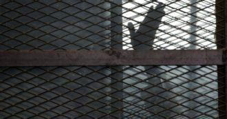 Torture, crudeltà, abusi: la vita nel carcere di Tora in Egitto. Il volto del regime nella prigione dove è rinchiuso Patrick Zaki