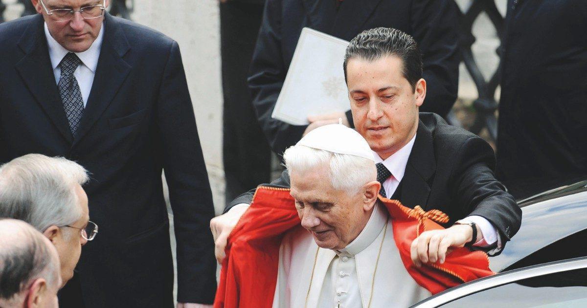 """Paolo Gabriele non fu un """"corvo"""",  ma un maggiordomo della verità"""