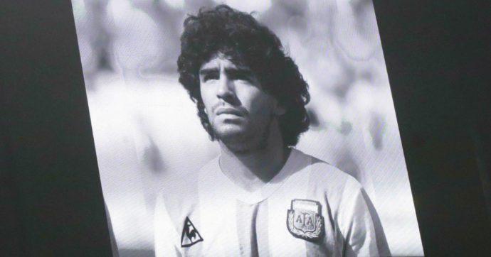"""Maradona, l'Eliseo gli dedica un tributo da capo di Stato: """"La mano di Dio se lo è ripreso ma Diego resta. Cordoglio ai napoletani"""""""