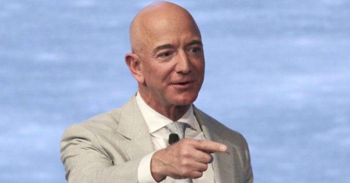 Mancia di Natale per i dipendenti Amazon: 300 euro lordi. In tutto 420 milioni, un centesimo di quanto ha guadagnato Bezos nel 2020