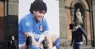 Selfie con la salma di Maradona, perquisiti gli artefici. E sulla morte dell'ex calciatore la Procura apre indagine