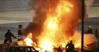 Gran premio del Bahrain di Formula 1, l'auto di Grosjean si spezza in due e prende fuoco. Gara sospesa