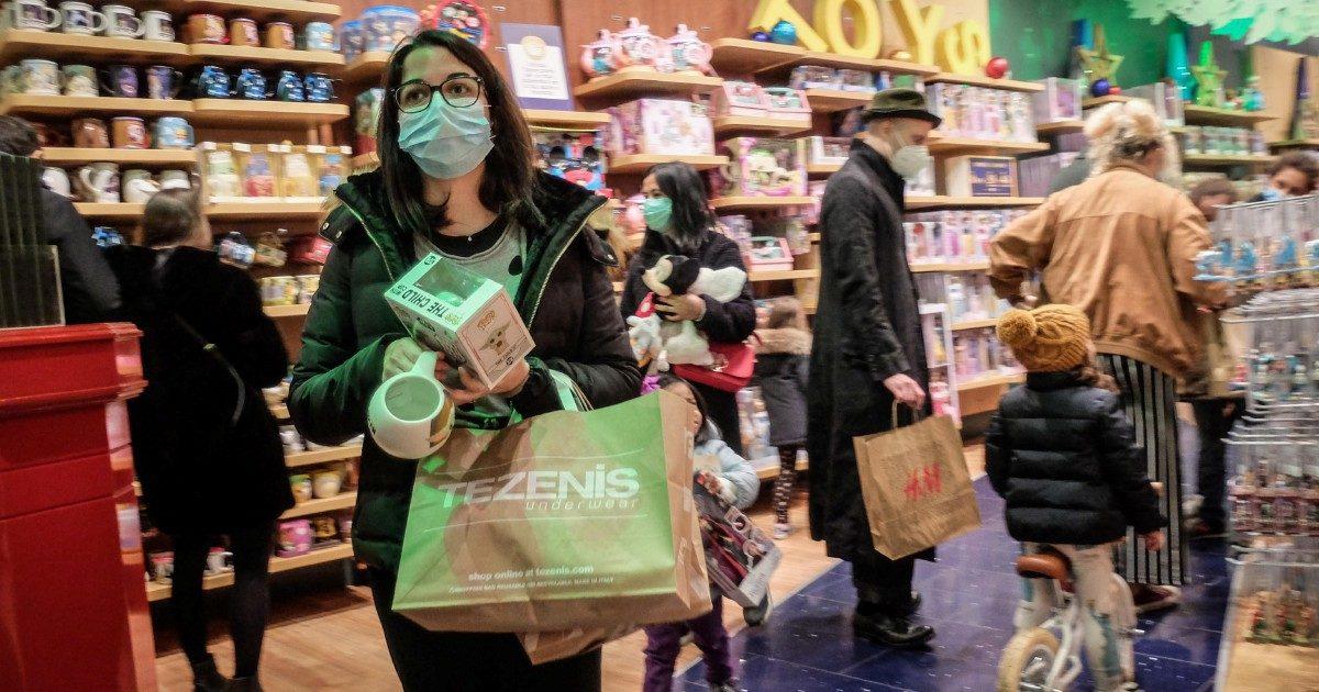 Shopping: cambia il colore e tornano gli assembramenti