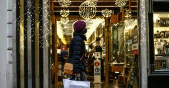 Covid, in Francia musei e cinema chiusi per altre 3 settimane. Coprifuoco tutti i giorni, anche a Capodanno ma non la notte di Natale