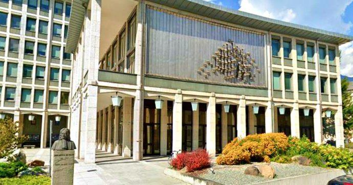 Valle d'Aosta approva una legge anti-Dpcm: la Regione vuole decidere in autonomia sulle aperture di negozi, locali e impianti da sci