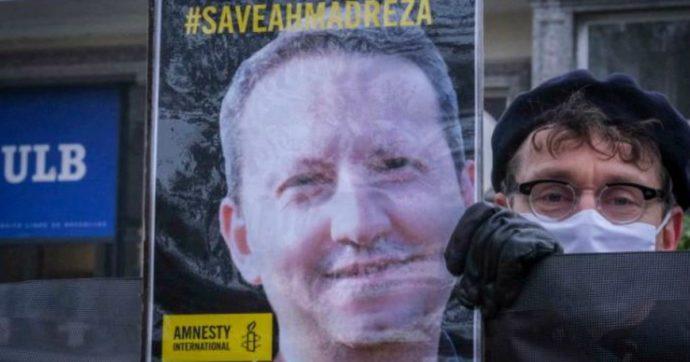 """Iran, """"rinviata di alcuni giorni l'esecuzione dello scienziato Djalali"""": la corsa contro il tempo per salvargli la vita"""