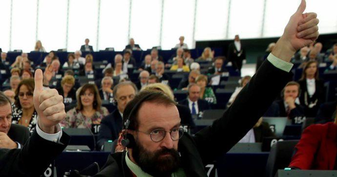 József Szájer e l'orgia gay non sono il problema: la questione è l'ipocrisia del governo ungherese