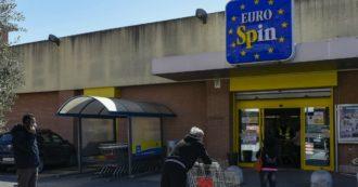 """La protesta dei dipendenti Eurospin: """"Negozi sanificati solo due volte, commessi usati per controllo degli ingressi e pulizia dei bagni"""""""