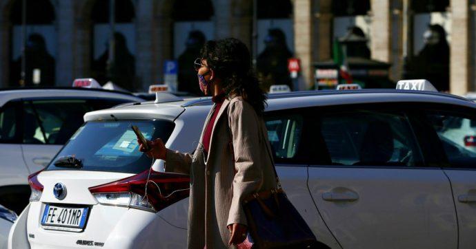 Lazio, la Regione dà buoni per il taxi ai professori contro gli assembramenti sui mezzi pubblici. Esclusi presidi e precari