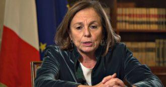 """La ministra Luciana Lamorgese è negativa al Covid: """"Il tampone era un falso positivo"""""""