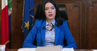 """Gli studenti di Calabria Puglia e Molise non torneranno in aula il 7.  La ministra Azzolina: """"Se si chiude la scuola si deve chiudere tutto"""""""