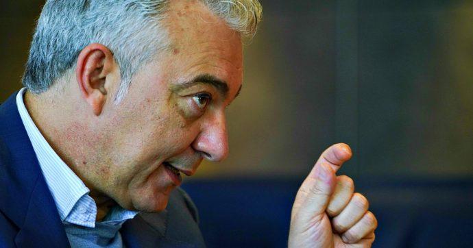 """Covid, Arcuri: """"Tutti gli italiani vaccinati entro settembre. Dosi ai migranti, hanno gli stessi diritti. Chi già malato non sarà tra i primi"""""""
