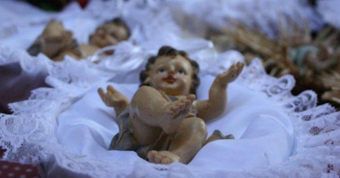 """""""Gesù non è nato a mezzanotte e il 25 dicembre non è il suo compleanno"""". Così il parroco di Roma rassicura i fedeli durante l'omelia"""