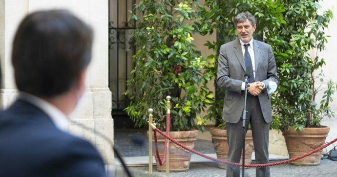 """Covid, Marsilio: """"Anche l'Abruzzo zona arancione"""". Ma il governo: """"Deve aspettare mercoledì o sarà responsabile dei contagi"""""""