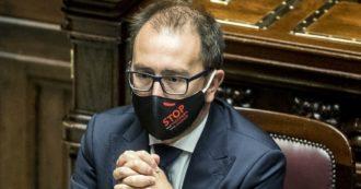 """Il ministro Bonafede presenta l'Alleanza contro la corruzione per """"impedire la dispersione e l'accaparramento criminale"""" dei fondi. No dei renziani"""