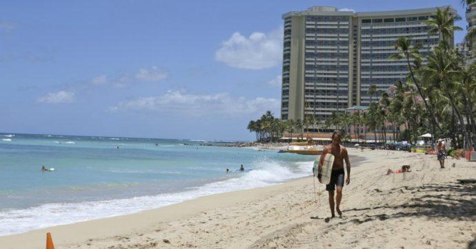 """""""Voli gratis per venire alle Hawaii a fare smartworking"""": l'iniziativa del governo locale. Ecco come candidarsi"""