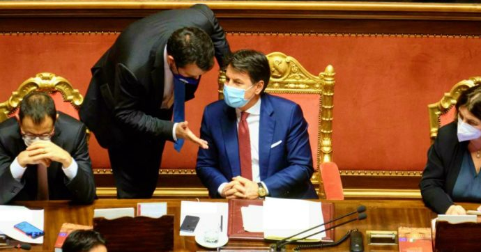 """Colloquio Conte-Salvini al Senato, il leader della Lega: """"Parlato delle norme per Natale e ho chiesto coinvolgimento sulla scuola"""""""