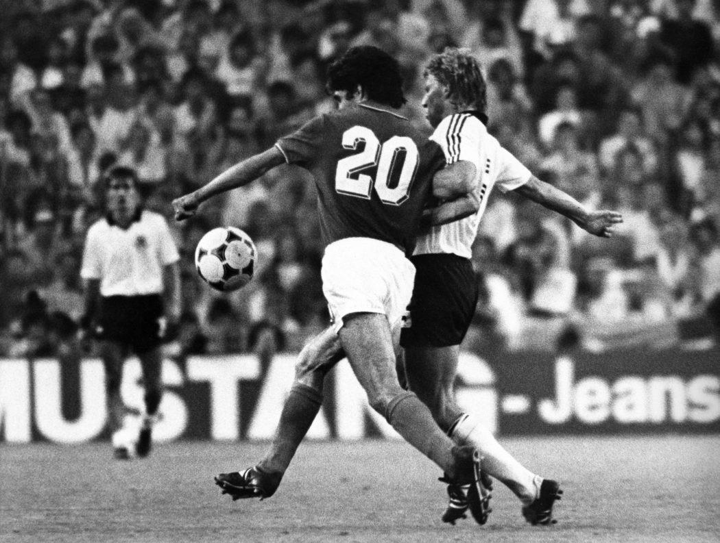 © LaPresse Archivio storico Madrid 11-07-1982 Sport Calcio Paolo Rossi Nella foto: il calciatore della nazionale italiana Paolo Rossi durante la finale del Mondiale contro la Germania Ovest B 3193
