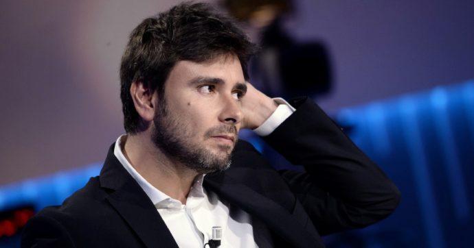 M5s, Di Battista: 'Non mi occupo di correnti, sul mio conto voci false'. Il segretario di Italia dei valori: 'Contatti con dissidenti per simbolo'