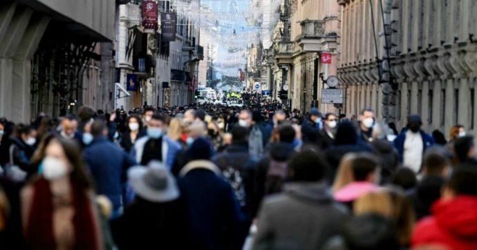 Milano, gli assembramenti non sono tutta colpa dei cittadini. E vi spiego perché