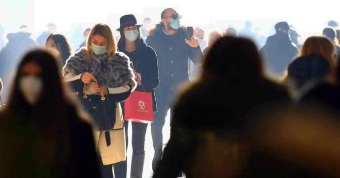 Coronavirus, i dati: 12.030 nuovi casi a fronte di 103.584 tamponi. 491 morti: oltre 65mila in totale. Il rapporto positivi-test resta stabile