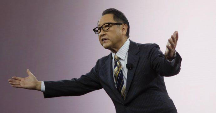 """Akio Toyoda, attacco frontale all'auto elettrica: """"E' sopravvalutata, farà collassare l'industria"""""""