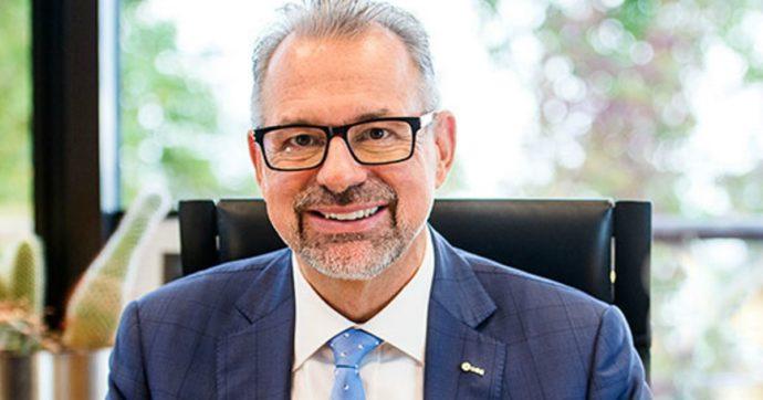 Esa, ora è ufficiale: Josef Aschbacher nuovo direttore generale dell'Agenzia spaziale europea. Fraccaro si congratula