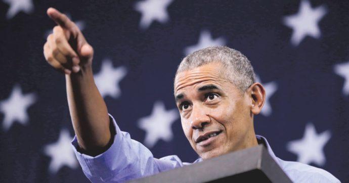"""Barack Obama compie 60 anni, scoppia la polemica per il mega party: """"700 invitati mentre dilaga la Variante Delta"""". Presenti anche Clooney e Spielberg"""
