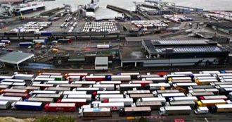 Brexit, liste d'attesa camion per km sul canale: