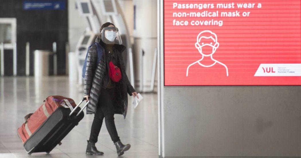 """Variante Covid, in Regno Unito record di casi: +50% in una settimana. Oms: """"Può incidere sui metodi diagnostici"""". I Paesi Ue bloccano i voli, oggi vertice d'emergenza"""