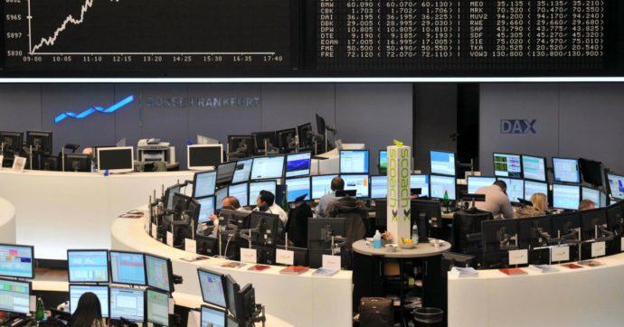 Il ceppo inglese spaventa anche i mercati, borse europee tutte giù. Petrolio – 3,5%. Negli Usa 900 miliardi di nuovi aiuti all'economia