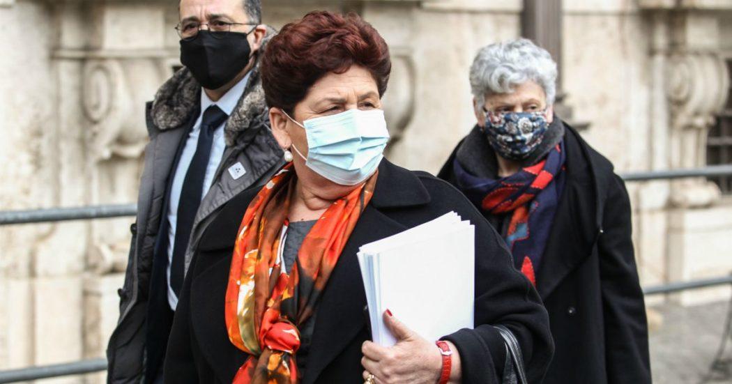 """Recovery, incontro di due ore tra Italia viva e Conte. Bellanova: """"Passo avanti, non c'è più la prima proposta di task force"""". Faraone: """"Incontro costruttivo"""""""
