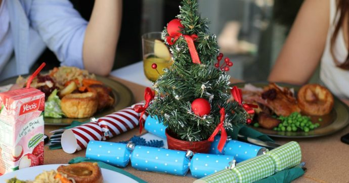 Pranzo di Natale e cenoni: come affrontarli senza esagerare? Bastano pochi accorgimenti